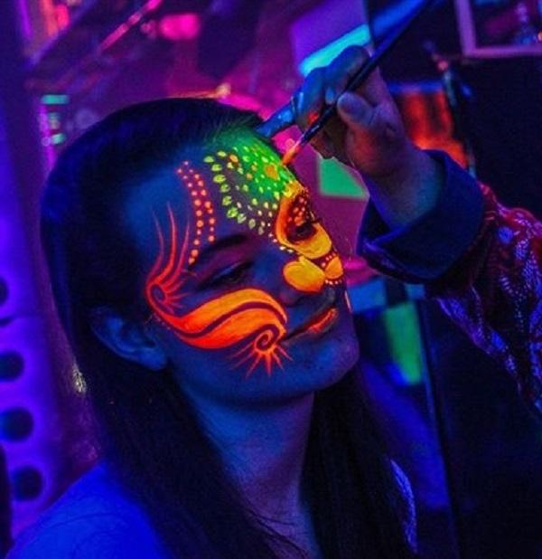 UV Face & Body Paint Color Studio