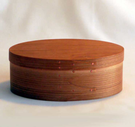 Traditional oval Shaker box in Cherry of Maple 10x6x3cm