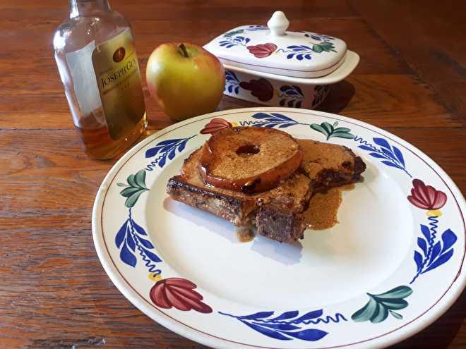 Ribkarbonade met appel