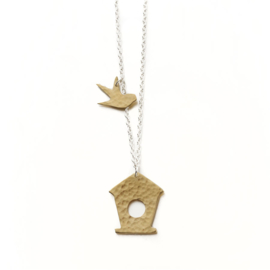 Hammered Brass Bird Box Ketting