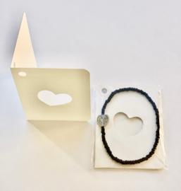 Wens/Gift kaartje met Masai Beads armbandje Hartje