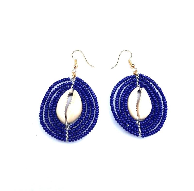 Masai Beads Schelp oorbellen donkerblauw