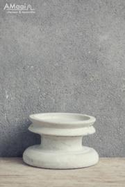 kandelaar beton laag