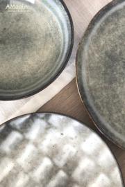 Plat bord groot grijs/blauw aardewerk