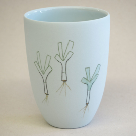 Cup food | Medium | Light blue | Leek