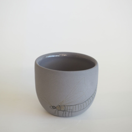 Cup Insect | Dark grey | S