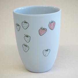 Cup food | Medium | Blue | Strawberry