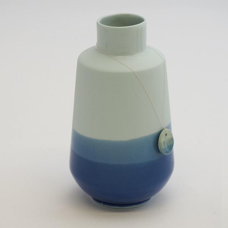 Dip vase   Fine   Light blue   094