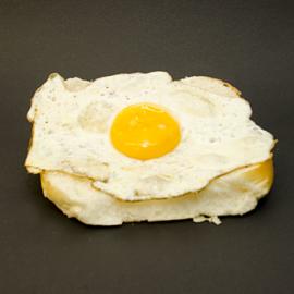 Broodje gebakken ei