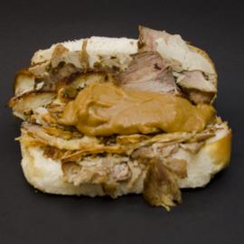 Broodje warm vlees / speenvarken*