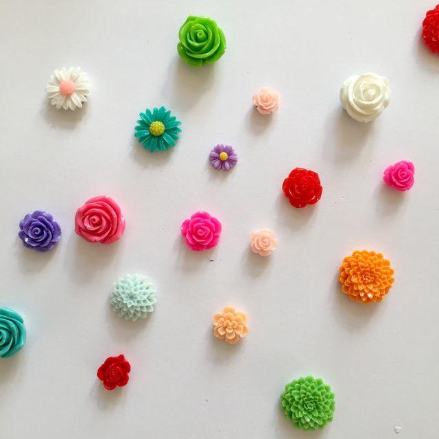 set van 5 a 6 bloemenmagneetjes