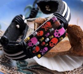 Armband: Paarlemoer met Skulls - Echt Leer + Koord + Schelp - Punk Rock