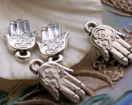 set/10 Bedels: Hand van Fatima - 22x13 mm - Metal Look Antiek Zilver Kleur - Hamsa