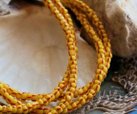 Snoer 70 cm/ca 365 kralen: Fair TRADE BEADS: Afrika Ghana -  3-3,5 mm - Geel Rood