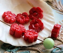 Prachtige Kraal: Bloem van im. Rood KORAAL - 9-10 mm