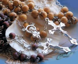 Rozenkrans Ketting van Hout met Maria ornament en kruisje - 2 kleur opties