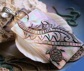 Mooie Hanger van echt Paarlemoer: Schildpad met Varen