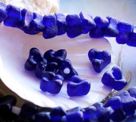 set/5 TRADE BEADS - Handelskralen uit Ghana - Bloem Driehoek - ca 9x9 mm - Kobalt Blauw