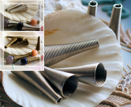 set/4 lange conische Kralen Kapjes: Spiraal - 22-23x9 mm - Antiek Zilver of Brons kleur
