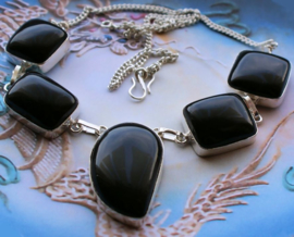 Prachtig Collier: glanzend Zwart Onyx Agaat