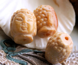 1 Grote Gedetailleerde Kraal: Boeddha - echt Xiu Jade - ca 19x15 mm - HZ
