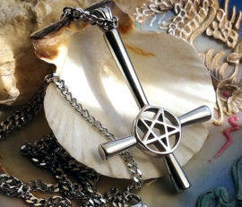 Inverted Cross Pentagram Hanger (59 mm) aan Ketting - RVS - Satanic Black Metal