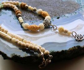 C&G Collier: Prayerbeads - Magnesiet  - Xiu Jade & Ohm Hangertje