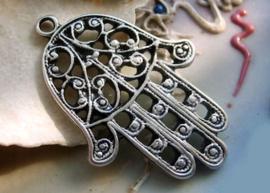 Mooie Hanger: Hand van Fatima - 36x24 mm - Antiek Zilver Kleur