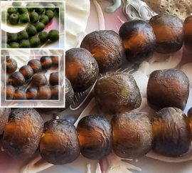 set/2 TRADE BEADS - Handelskralen uit Ghana - ca 12x14 mm - Fles-Groen of Amber-Bruin