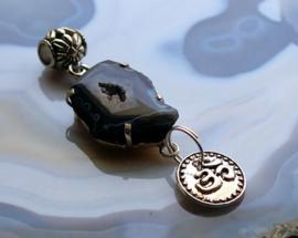 Mooie C&G Hanger: Agaat Geode Druzy  & Ohm - Verzilverd - 61-65 mm - Zwart