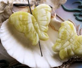 1 Hanger/Kraal: Lemon Jade - Vlinder - ca 34x26 mm
