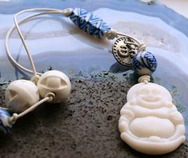 C&G Ketting: Boeddha van Serpentijn & Porselein aan leren veter