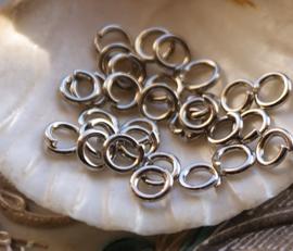 set/25 Stevige Ringetjes - 6 mm - Antiek Zilver Kleur