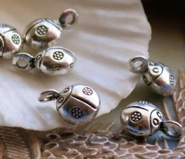 1 Bedel: Lieveheersbeestje - Bali Dots Bloem - 13 mm - Antiek Zilver Kleur