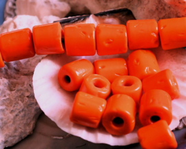 1 Grote TRADE BEAD Handelskraal: Afrika India - Tube - ca 10-11x10 mm - Oranje
