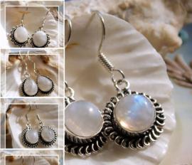Paar mooie Oorbellen: echt Wit Regenboog Maansteen - Diverse Opties