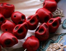 set/4 Kralen: SKULL van Howliet - 12x10 mm - Koraal Rode Kleur