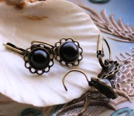 Paar Oorbellen: Ornamentje in Antiek Koper/Brons Kleur + Zwart