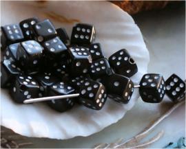 set/15 kralen: Dobbelsteen - 6x6x6 mm - Zwart Wit
