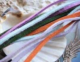 Imitatie Suède Veter - 1 meter lengte - 3x1 mm Plat - Violet-Paars Lila-Paars Licht-Blauw Oranje of Mos-Groen