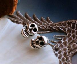 1 Paar Oorbellen: Knop/Steker - SKULL - Schedel - Antiek Zilver Kleur