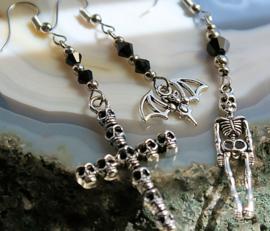 Paar Oorbellen met Skelet of Schedel-Kruis of Vleermuis - Zilver Zwart - Metal Goth