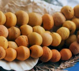 1 ANTIEKE TRADE BEAD Handelskraal: Afrika - Specerij tinten - 9 tot 12 mm