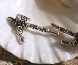 1 Bedel: Tibetaans Boeddhistische  Gebedsmolen - 29 mm - Antiek Zilver Kleur