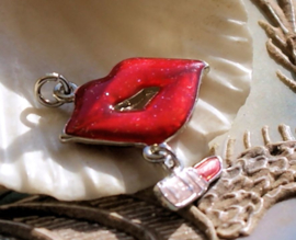Enamel/Epoxy charm: Red Lips & Lipstick - Kiss - 32 mm - Red