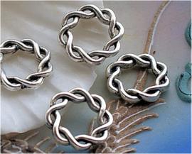 set/4 Hanger of Tussenstuk: Gevlochten Ring Celtic Twist - 15 mm - Antiek Zilver Kleur