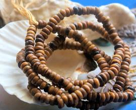 set/circa 250 Kralen/ruim 50 cm: Afrikaanse Zaadjes uit Mali - Kekeore - ca 5 mm
