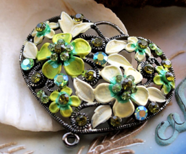 Beautiful Large Pendant: HEART wit Flowers & Crystals - Green Yellow-Cream