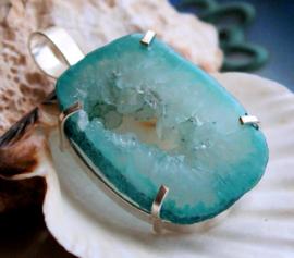 Mooie Hanger: Agaat Geode Druzy - Verzilverd - 49 mm - Aqua Blauw/Turquoise