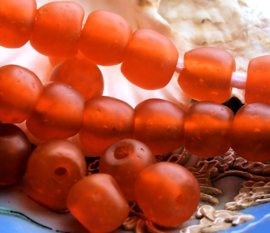set/2 TRADE BEADS - Handelskralen uit Ghana - ca 13 mm - Oranje